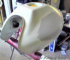 ホーネット250 タンク左側のヘコミ修正/塗装