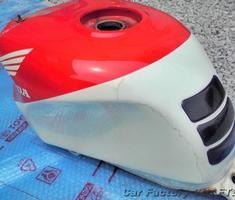RVF400 タンクのキズ/クリア剥げ補修、塗装